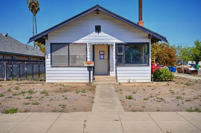 300 Riverside Avenue, Chowchilla, CA 93610 (MLS #221038382) :: Heidi Phong Real Estate Team