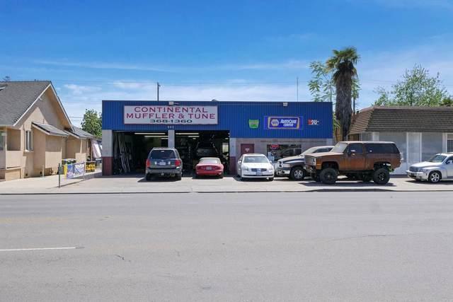 230 E Lodi Avenue, Lodi, CA 95240 (MLS #221038668) :: eXp Realty of California Inc