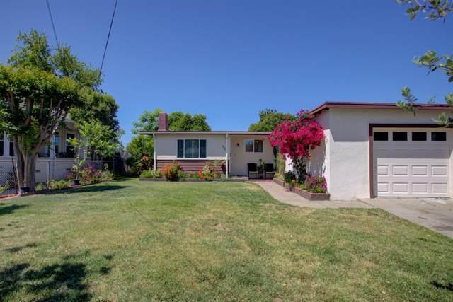 335 Farr Street, Turlock, CA 95380 (MLS #221039640) :: Heather Barrios