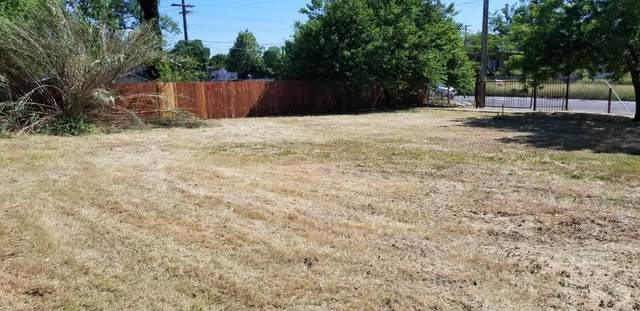 2900 Clay Street, Sacramento, CA 95815 (MLS #221040770) :: Keller Williams - The Rachel Adams Lee Group