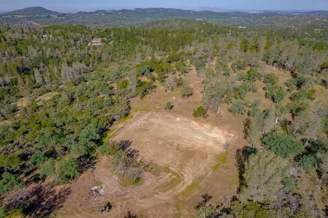 14040 Deadmans Flat Road, Grass Valley, CA 95949 (#221045527) :: The Lucas Group