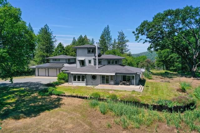 19006 Summerland Court, Grass Valley, CA 95949 (MLS #221047125) :: The Merlino Home Team