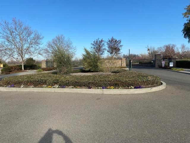 960 Fountain Drive, West Sacramento, CA 95605 (MLS #221047775) :: Keller Williams - The Rachel Adams Lee Group