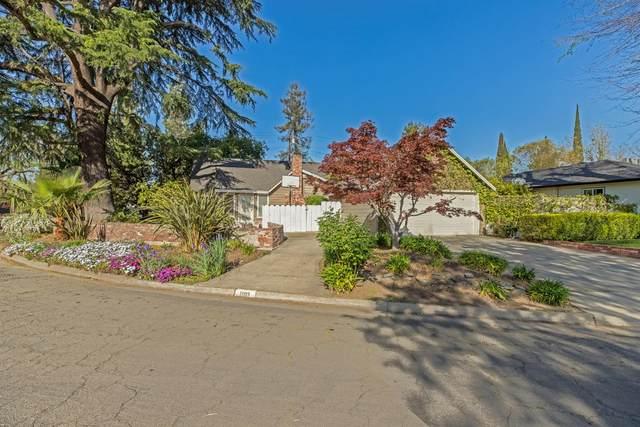 1003 Wellesley Avenue, Modesto, CA 95350 (MLS #221053260) :: The Merlino Home Team