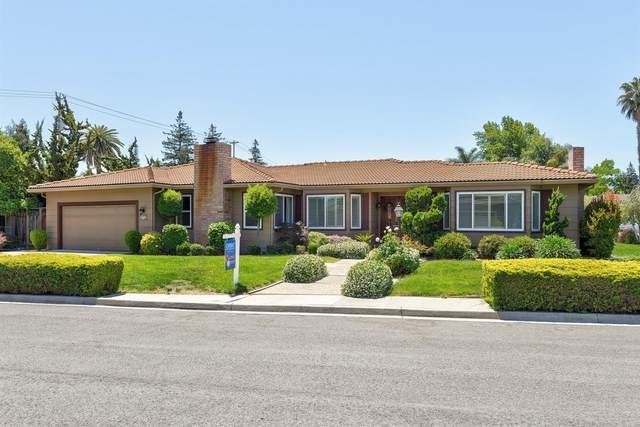 18732 Wood Dell Court, Saratoga, CA 95070 (MLS #221060573) :: Heather Barrios