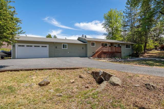 18426 Lake Forest Drive, Penn Valley, CA 95946 (#221060613) :: Rapisarda Real Estate