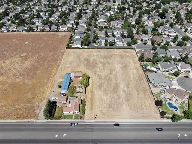 4201 Geer Road, Turlock, CA 95382 (MLS #221060762) :: The MacDonald Group at PMZ Real Estate