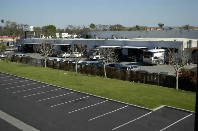 1020 N Harbor Boulevard, Santa Ana, CA 92703 (MLS #221060763) :: Deb Brittan Team