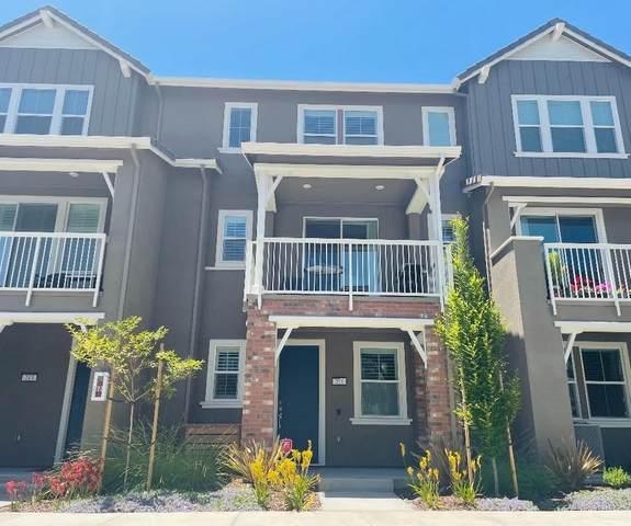 211 Plum Tree, Livermore, CA 94551 (MLS #221067023) :: Heather Barrios
