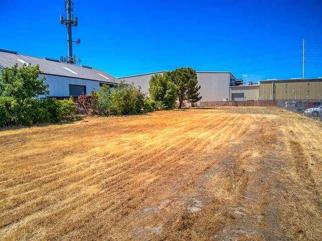 3509 51st Avenue, Sacramento, CA 95823 (MLS #221067412) :: 3 Step Realty Group