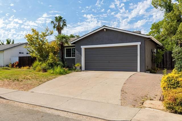 2213 N Cirby Way, Roseville, CA 95661 (MLS #221069506) :: The Merlino Home Team