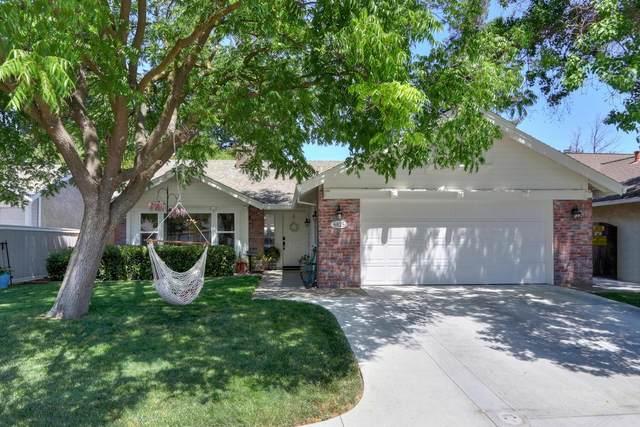 6825 Paseo Del Sol Way, Elk Grove, CA 95758 (#221069802) :: Rapisarda Real Estate