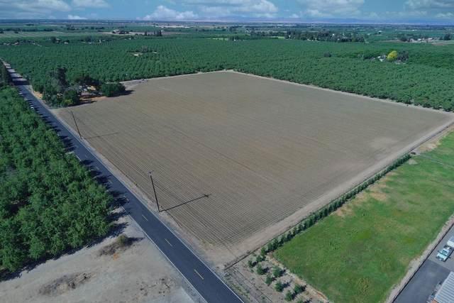 17286 Carrolton Road, Escalon, CA 95320 (MLS #221071010) :: The MacDonald Group at PMZ Real Estate