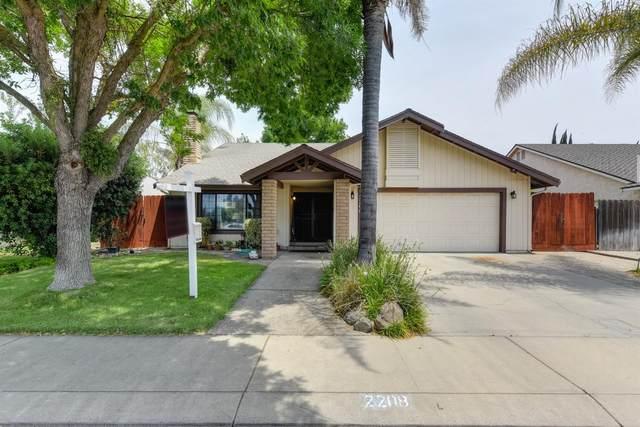 2208 Lawson Drive, Modesto, CA 95355 (#221071328) :: Rapisarda Real Estate