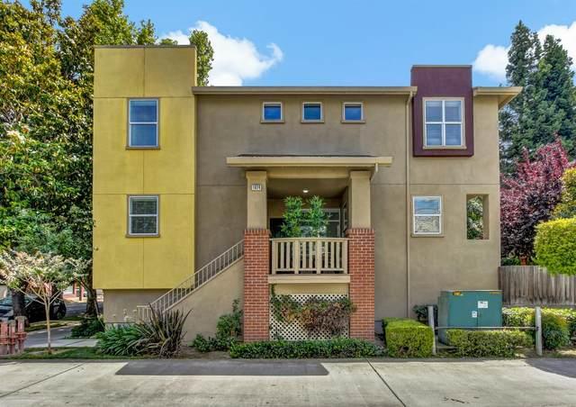 1924 10th Street, Sacramento, CA 95811 (MLS #221072366) :: The MacDonald Group at PMZ Real Estate