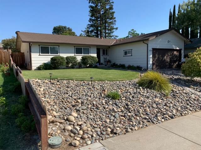 1225 E A Street, Oakdale, CA 95361 (MLS #221072507) :: The MacDonald Group at PMZ Real Estate