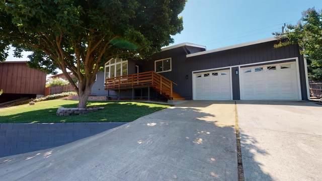 2113 Tioga Avenue, Oakdale, CA 95361 (MLS #221074091) :: Keller Williams - The Rachel Adams Lee Group