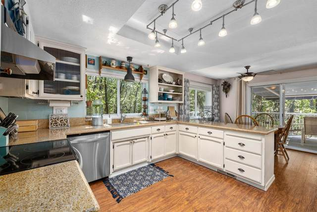 17191 Lawrence Way, Grass Valley, CA 95949 (MLS #221078940) :: eXp Realty of California Inc