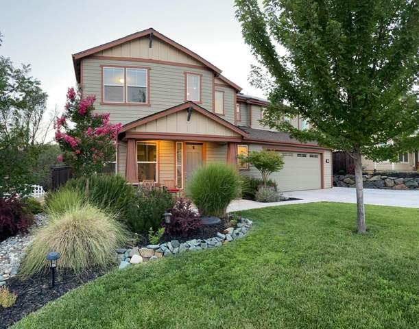 21827 Cascade Crossing Road, Grass Valley, CA 95949 (MLS #221086257) :: The Merlino Home Team