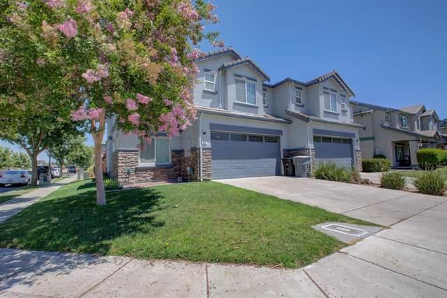 950 Sunset Meadows Street, Oakdale, CA 95361 (MLS #221088025) :: Keller Williams - The Rachel Adams Lee Group