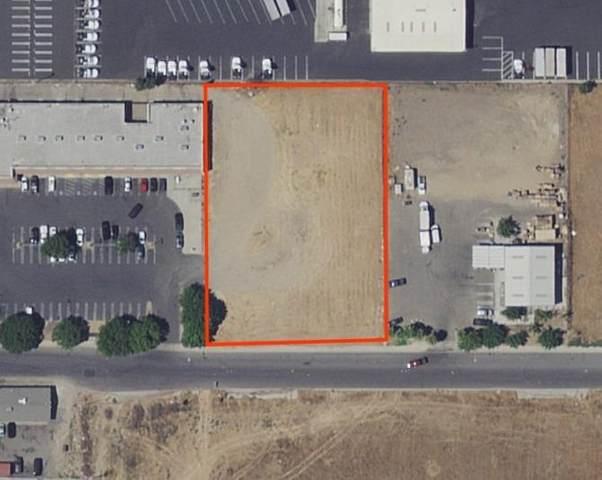 105 E Glenn Avenue, Modesto, CA 95358 (MLS #221090022) :: The Merlino Home Team