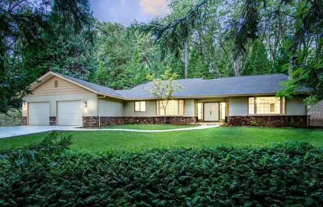 13692 Edgewood Drive, Grass Valley, CA 95945 (MLS #221090611) :: Keller Williams - The Rachel Adams Lee Group