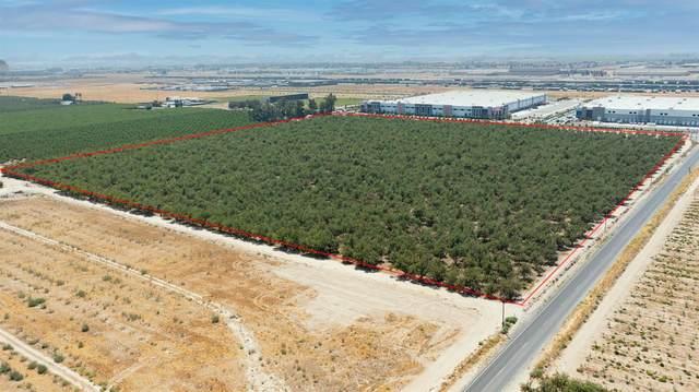 12690 S Airport Way, Manteca, CA 95336 (MLS #221091391) :: Heidi Phong Real Estate Team