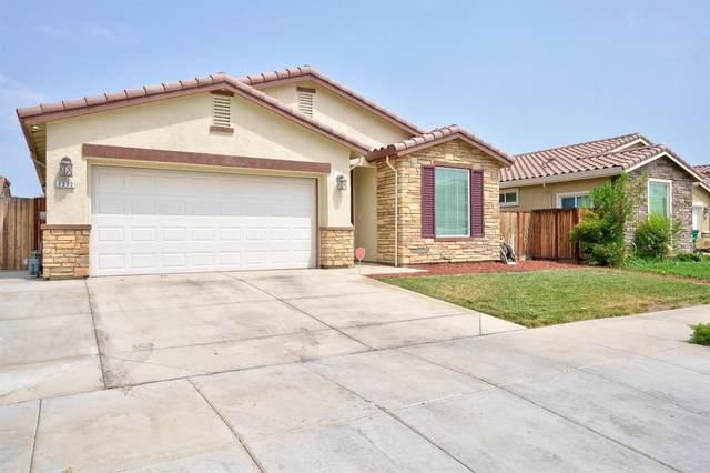 2372 N Fallbrook Drive, Los Banos, CA 93635 (MLS #221091501) :: Keller Williams Realty