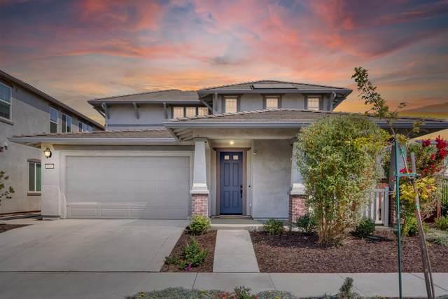1541 Griffith Drive, Woodland, CA 95776 (MLS #221103352) :: Heather Barrios