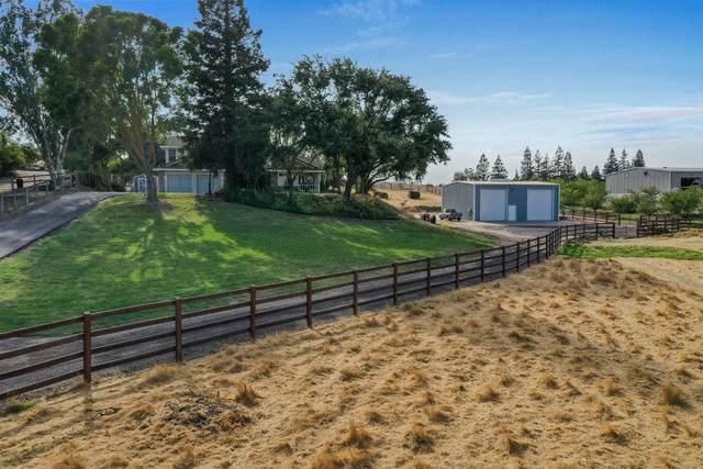 8519 River Oaks Drive, Oakdale, CA 95361 (MLS #221111612) :: Heather Barrios