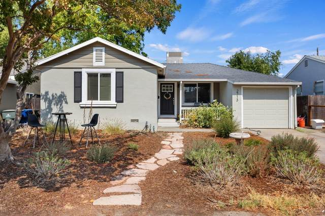 2713 18th Avenue, Sacramento, CA 95820 (MLS #221118731) :: Keller Williams - The Rachel Adams Lee Group