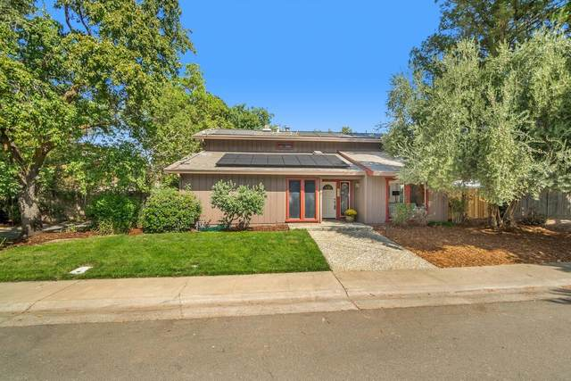 2217 Alameda Avenue, Davis, CA 95616 (MLS #221119934) :: The Merlino Home Team
