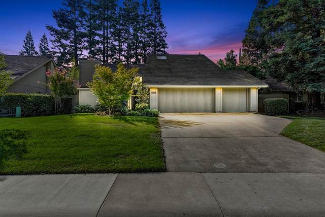 11338 Sutters Fort Way, Gold River, CA 95670 (MLS #221121152) :: The MacDonald Group at PMZ Real Estate