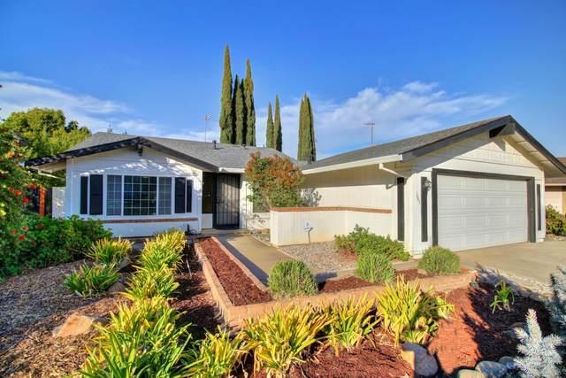9893 Vista Grande Way, Elk Grove, CA 95624 (MLS #221122432) :: The MacDonald Group at PMZ Real Estate