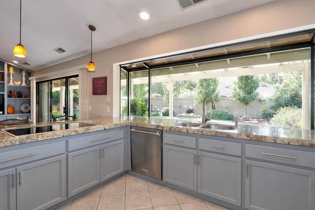2086 Granite Bar Way, Gold River, CA 95670 (MLS #221122937) :: Heather Barrios