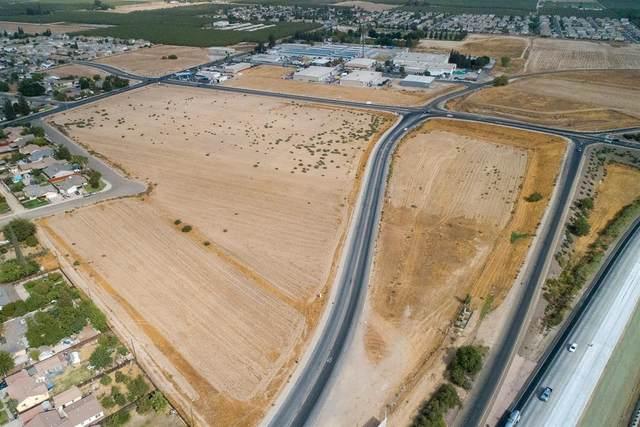 2 Hammatt Avenue, Livingston, CA 95334 (MLS #221127355) :: Jimmy Castro Real Estate Group