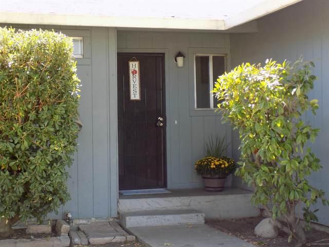 2241 Willow Street, Dos Palos, CA 93620 (MLS #221129796) :: DC & Associates