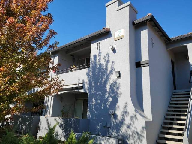 5201 Laguna Oaks Drive #10, Elk Grove, CA 95758 (MLS #221130627) :: Keller Williams Realty