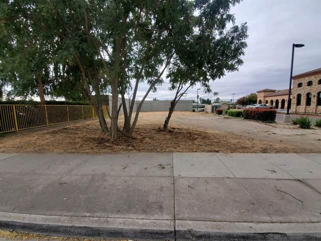 1566 W Yosemite Avenue, Manteca, CA 95337 (#221133241) :: Tana Goff Real Estate and Home Sales