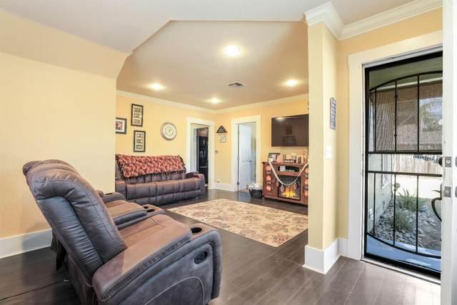 220 Olive Court, Lodi, CA 95240 (#221133490) :: Rapisarda Real Estate