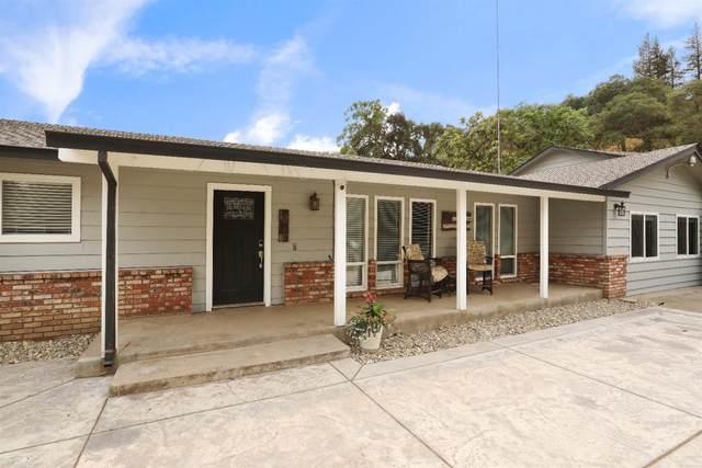 13806 Lancaster Road, Oakdale, CA 95361 (MLS #221136825) :: Heather Barrios