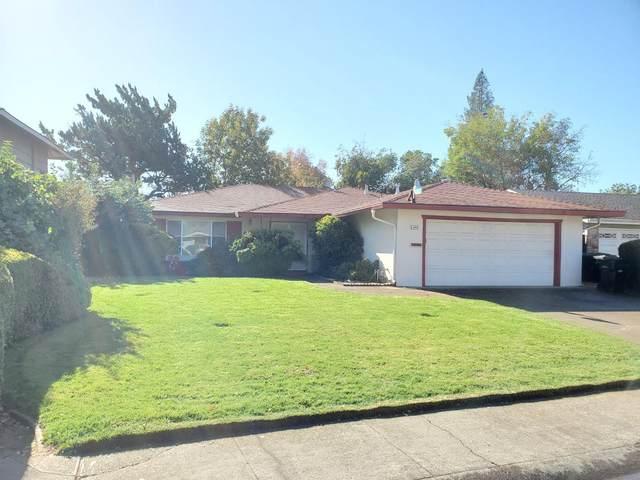 8924 Gulfport Way, Sacramento, CA 95826 (#221137225) :: The Lucas Group
