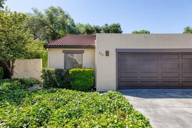 742 Adobe Drive, Santa Rosa, CA 95404 (MLS #321034025) :: Heidi Phong Real Estate Team