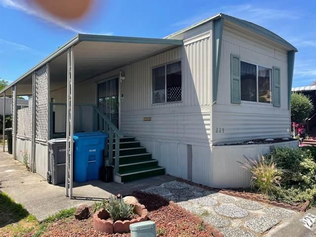 225 Hermosa Circle, Santa Rosa, CA 95409 (MLS #321054293) :: The Merlino Home Team