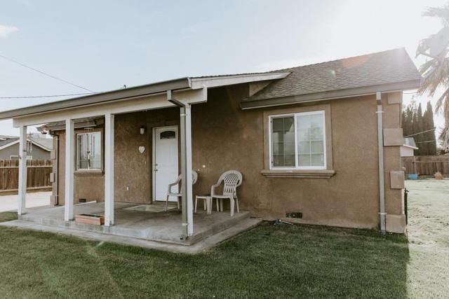 1329 Irwin Avenue, Escalon, CA 95320 (MLS #18028080) :: Heidi Phong Real Estate Team