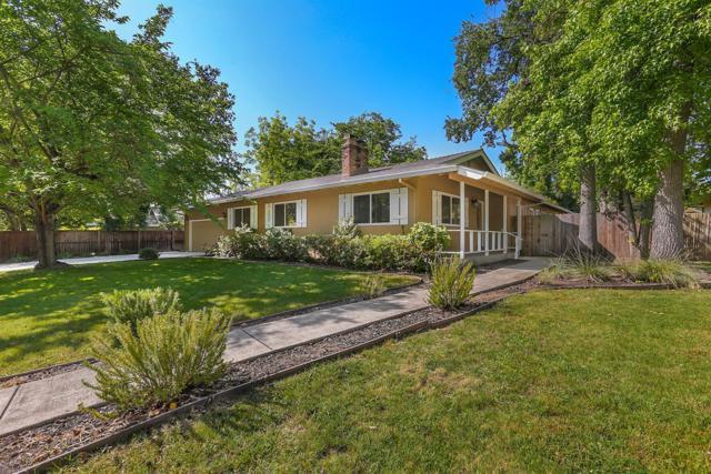 4317 Mapel Lane, Carmichael, CA 95608 (MLS #18033376) :: The Merlino Home Team