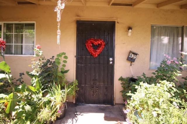 1635 E Street, Livingston, CA 95334 (MLS #18037676) :: Dominic Brandon and Team