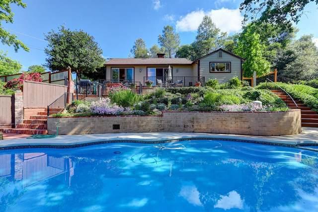 10529 Oak Drive, Grass Valley, CA 95949 (MLS #20028215) :: REMAX Executive
