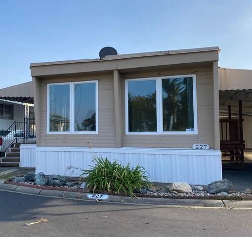 227 Palm View Lane, Rancho Cordova, CA 95670 (MLS #20077691) :: Keller Williams - The Rachel Adams Lee Group