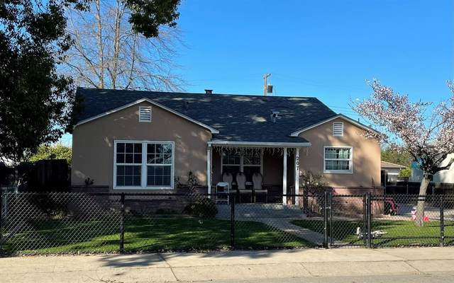 207 Mission Street, Lodi, CA 95240 (#221008980) :: Jimmy Castro Real Estate Group